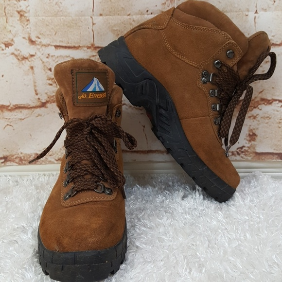 470462f017d Mt. Everest brand cushion sole comfy hiking boot